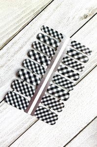 Black & White Plaid Nail Wrap