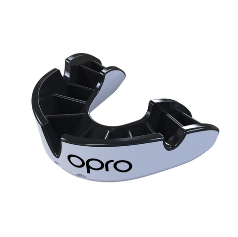 OPRO SILVER GEN 4 MOUTH GUARD WHITE/BLACK