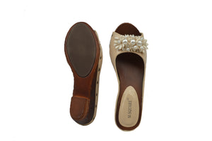 Indian Trednz Square Women's Fashion Slippers (Cream)