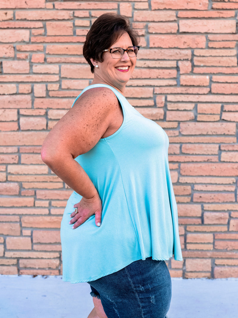 Favorite Fit Round Hem Mint Tank
