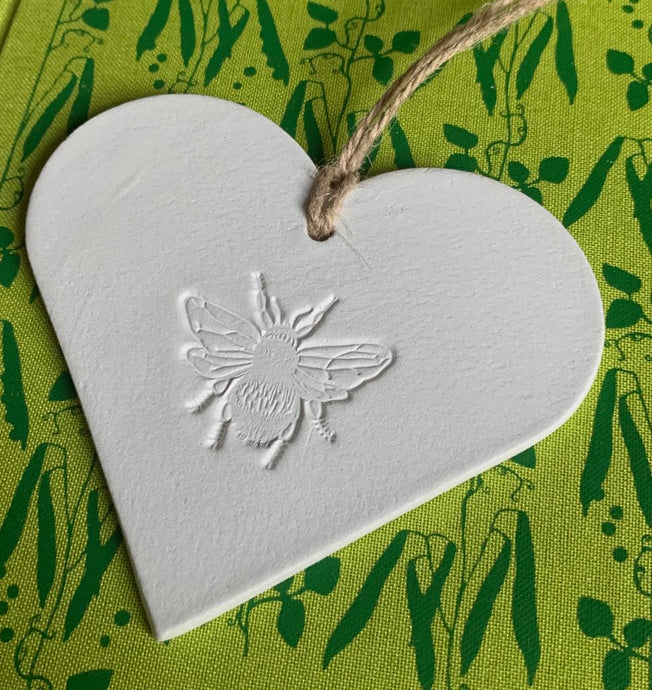 Heart clay plaque with bee
