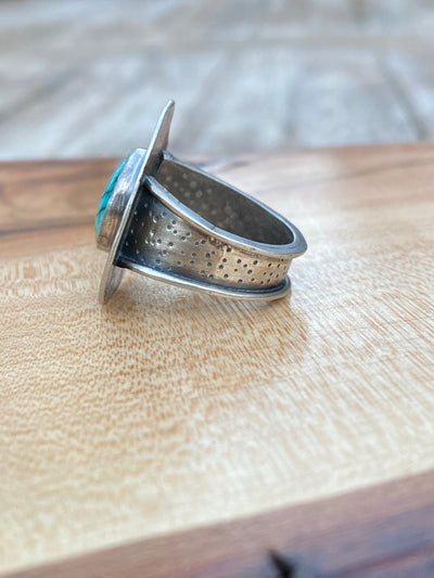 Yungai ring with leaf stamping
