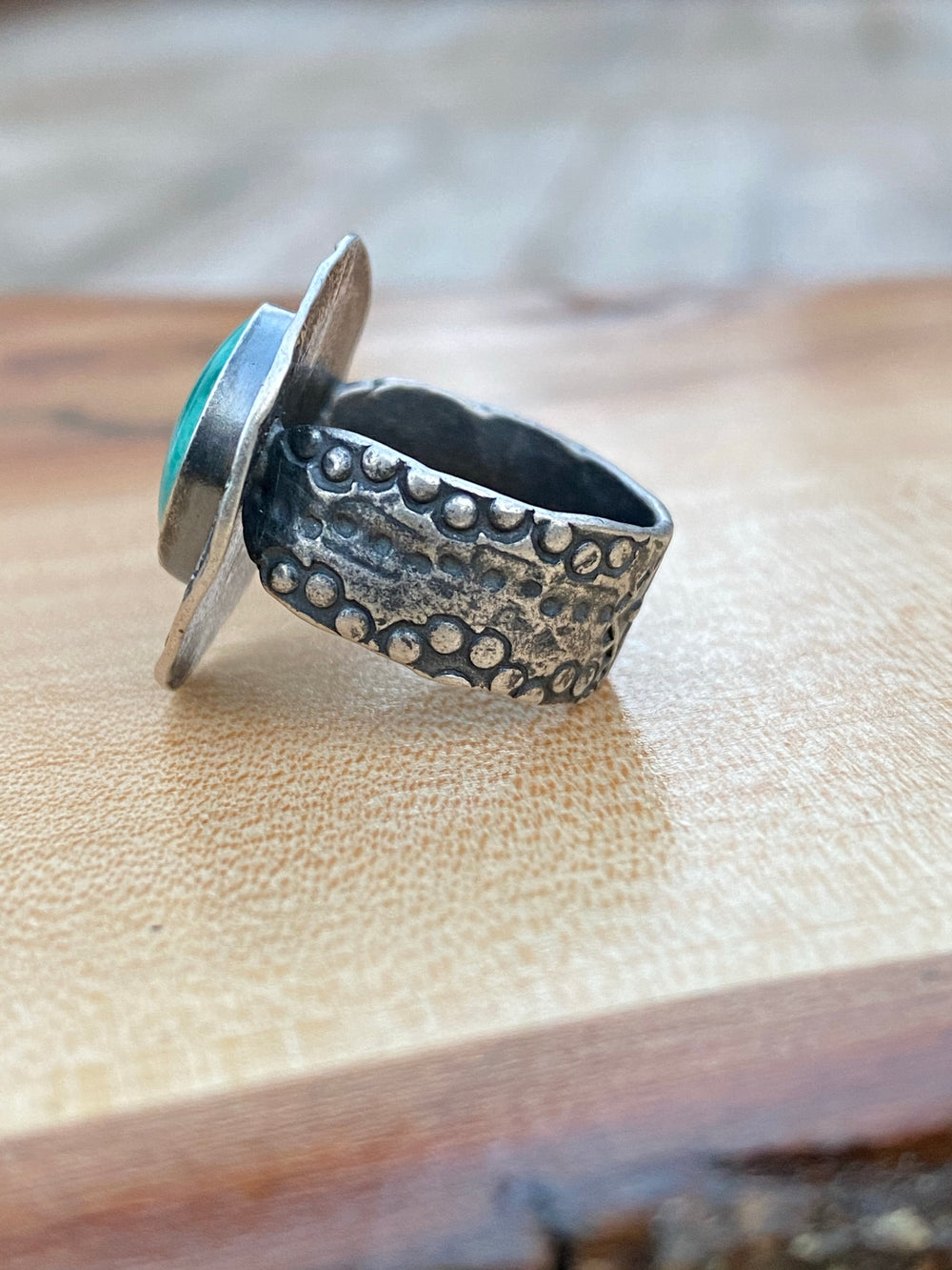 Yungai turquoise ring with stamped detail