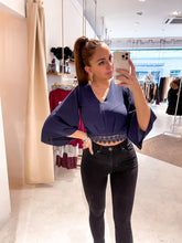 Laden Sie das Bild in den Galerie-Viewer, Palm of Paradise - Chiara Bluse Navy