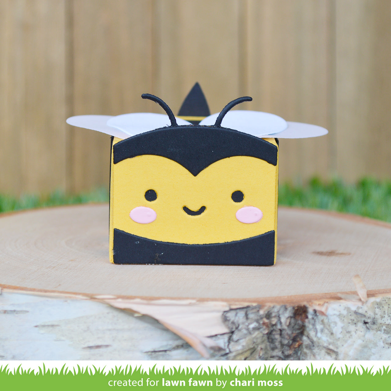 tiny gift box bee add-on