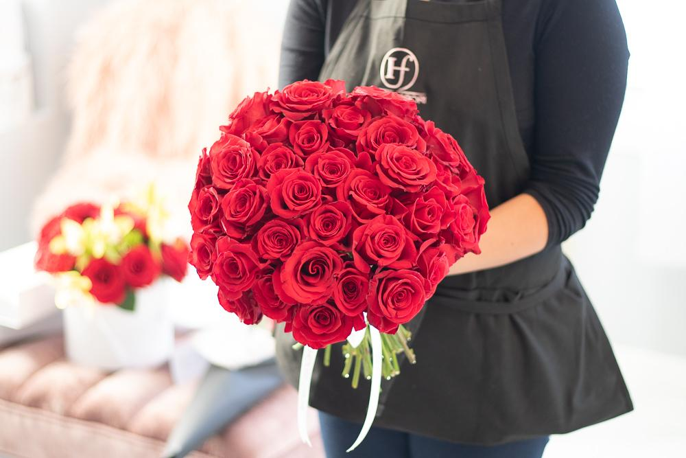 50 ROSE HAND-TIED BOUQUET