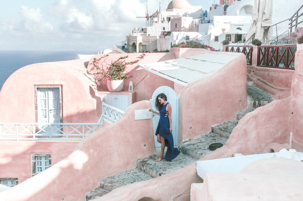 Santorini, Greece // What To Do, See, and Eat