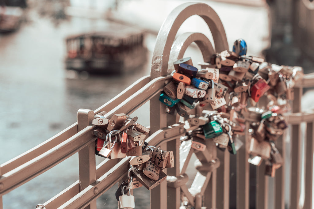 lovelock bridge prague