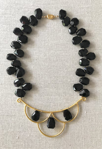 Val Black Onyx Gemstone Necklace
