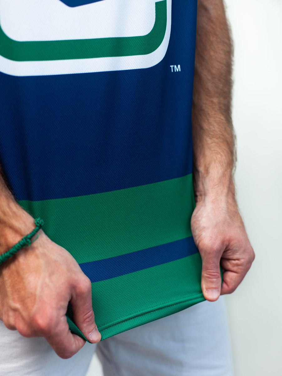 VANCOUVER CANUCKS ALTERNATE HOCKEY TANK - Material Close-Up - Life1