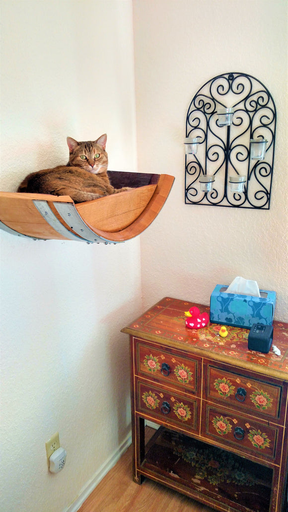 PET Collection - BIRALA - Wine Barrel Hanging Cat Bed