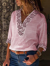 Printed V-neck Seven-quarter Sleeve T-shirt