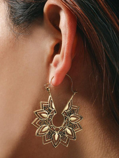 Vintage Alloy Hollow Flower Earrings Accessories