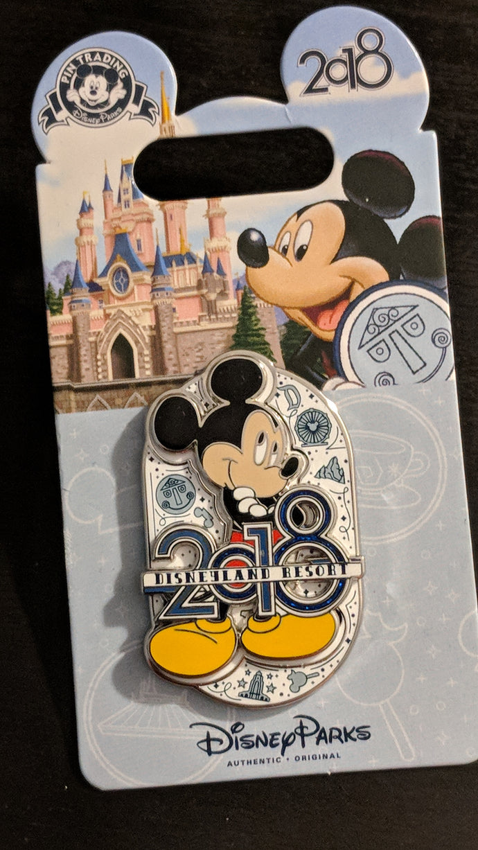 Disneyland Resort Mickey Mouse 2018 Pin new on Card