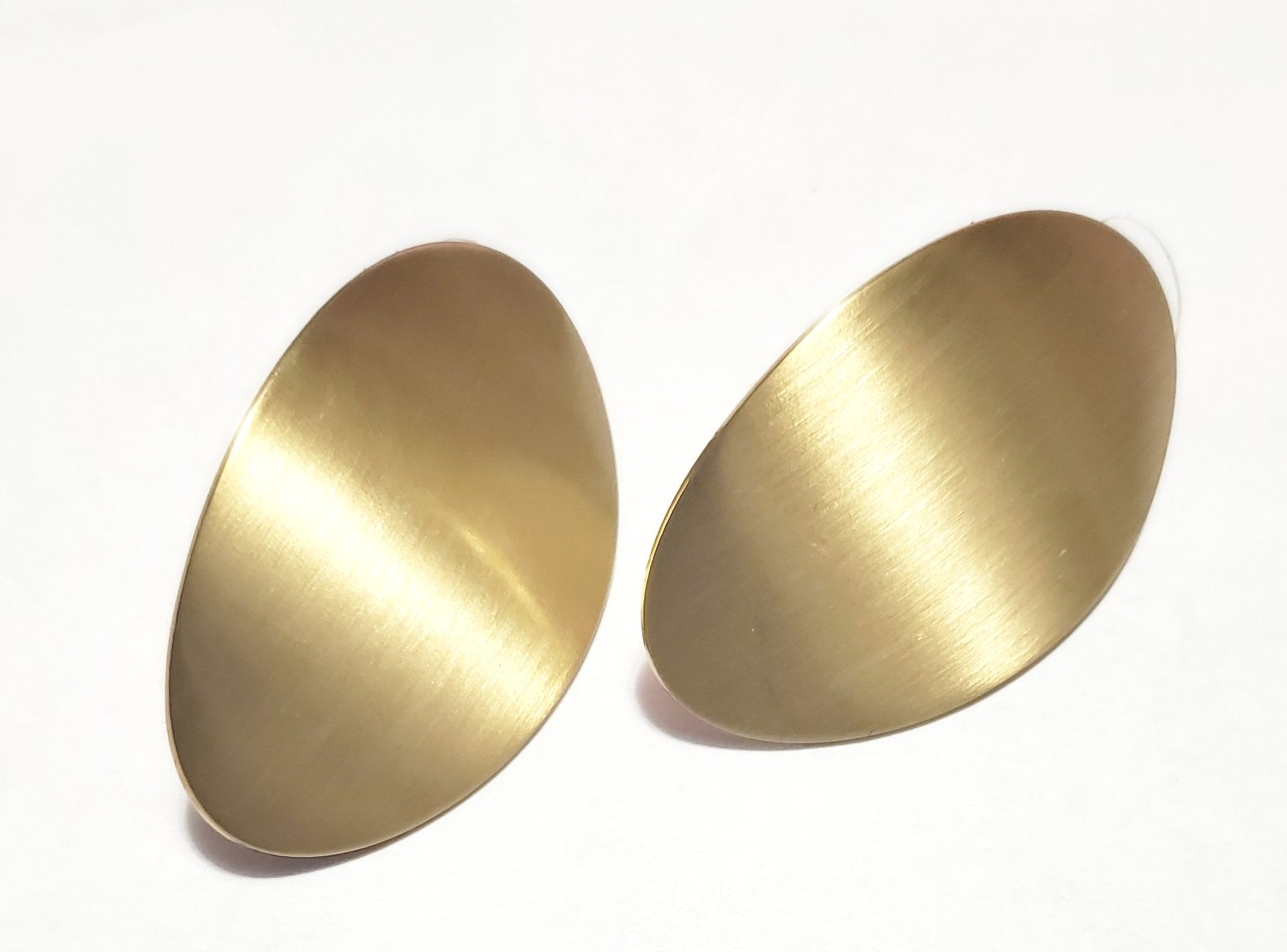 OVAL SMOOTH GOLD JEWELRY