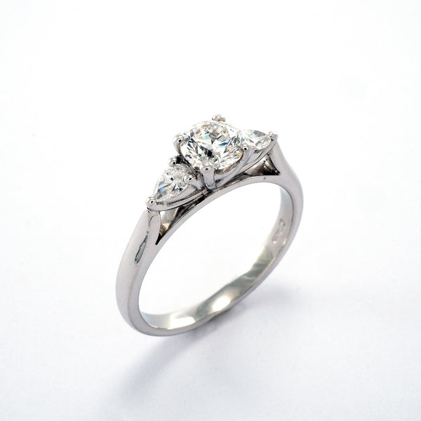 Round and Pear 3 stone 0.78ct