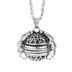 Folded Wings Expanding Photo Locket Necklace - TheRightBuy4Women.com