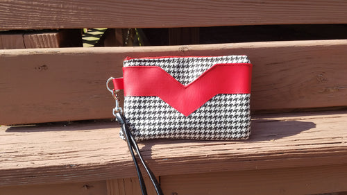 Houndstooth Wristlet with Red Accents