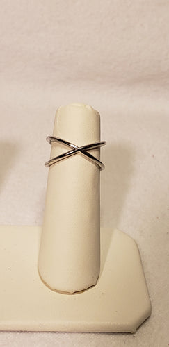 CRISS CROSS STERLING SILVER RING