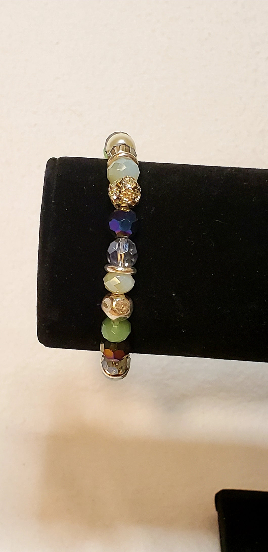 BEADED MULTI COLOR STRETCH BRACELET