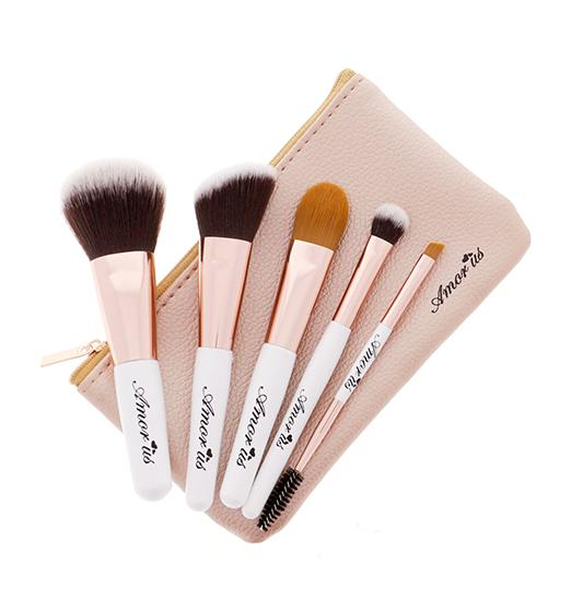 PETITE TRAVEL ESSENTIALS - 5 PIECE BRUSH SET