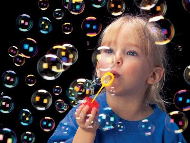 PUSTEFIX: The Magical World of Rainbow Bubbles