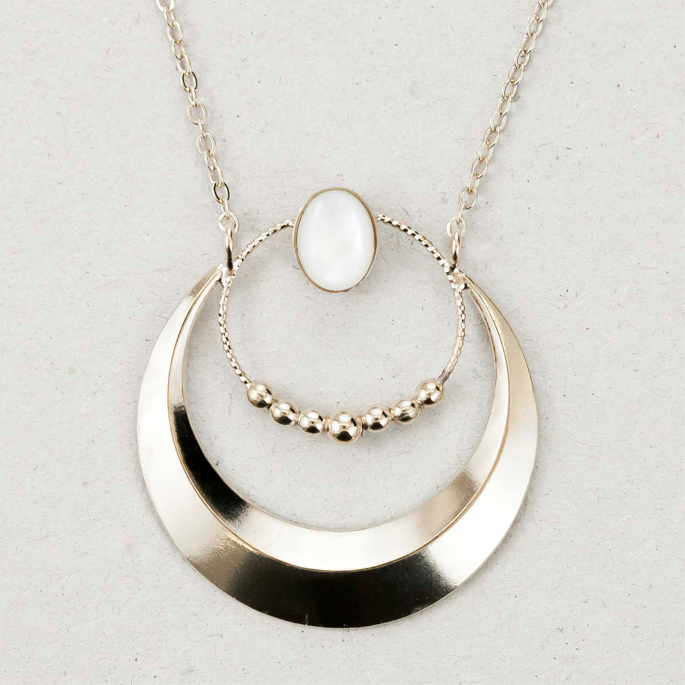 "Collier ""Ushas, goddess of dawn who illuminates the world with truth"""