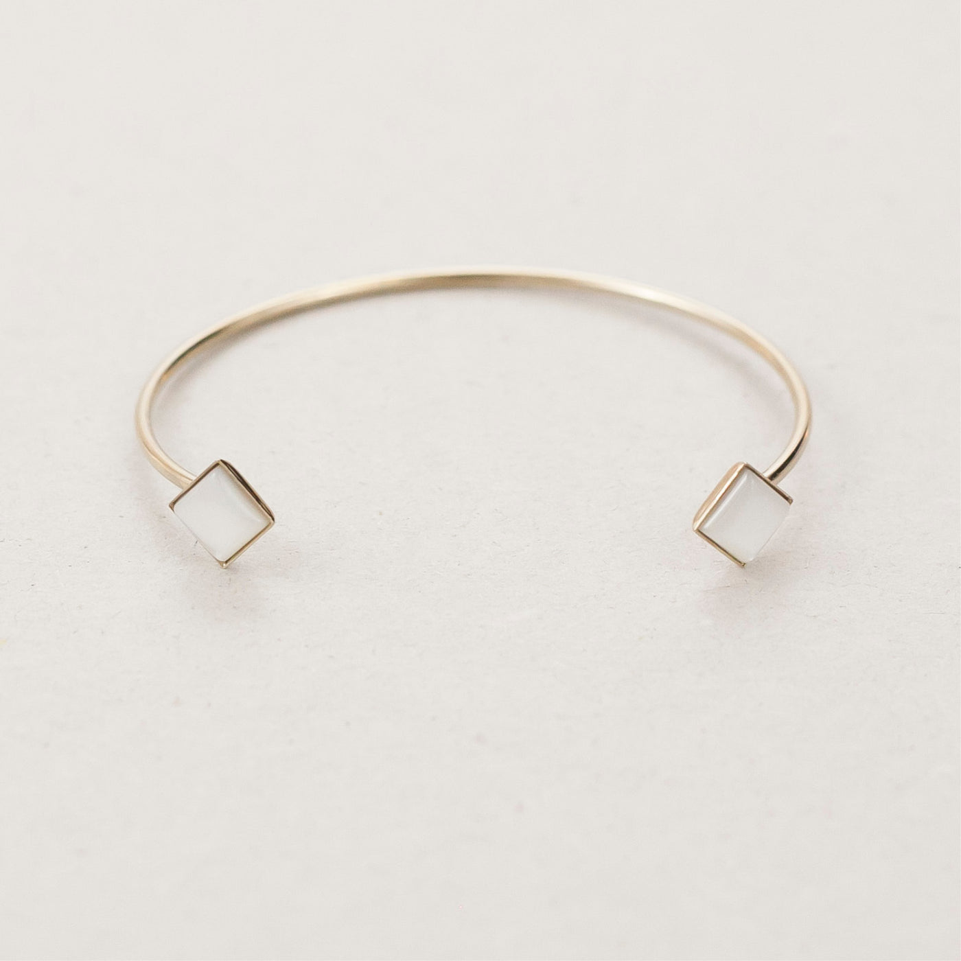 "Manchette / Cuff  ""Hemera, goddess of light who reveals the higher sky."""