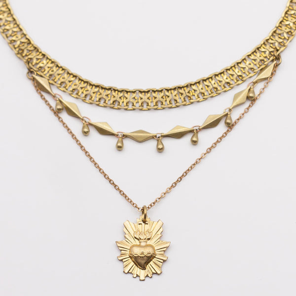 "COMING SOON !                               Collier coeur ardent / Necklace ""Turan, the sacred love goddess"""