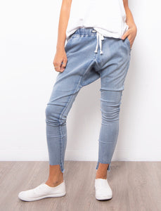 Lilly Crop Crotch Jeans