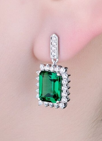Hanging Emerald Earrings