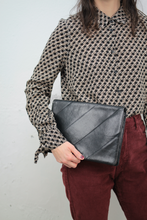 Laden Sie das Bild in den Galerie-Viewer, ♥︎ Lederclutch (Vintage)