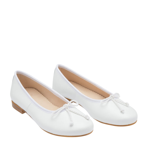 Oscar de la Renta Leather Sabrina Girl Flat Shoes White