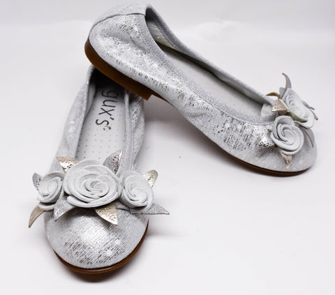Gux's Girls Silver Leather Flowers Shoes