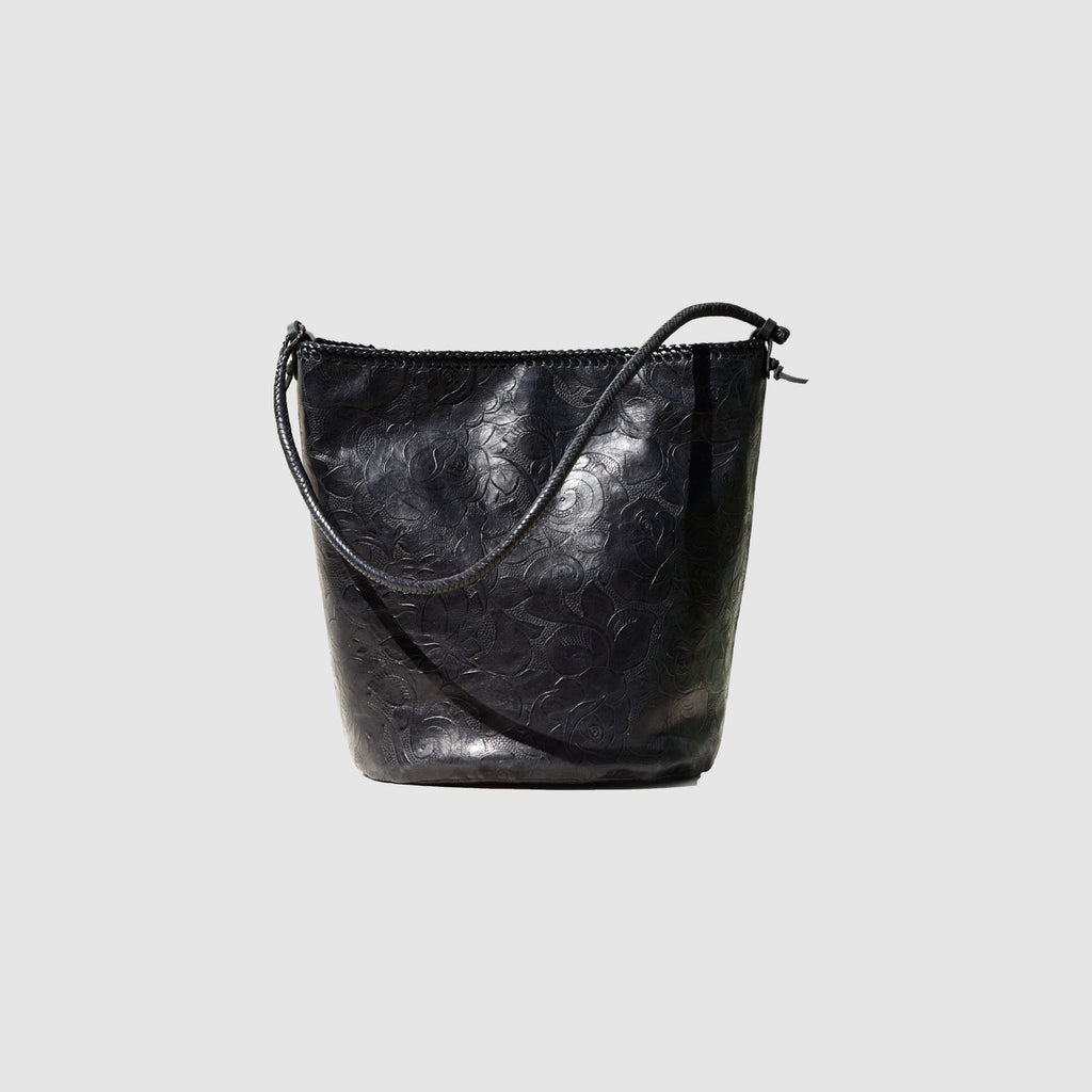 BLACK ROSES BARREL BAG