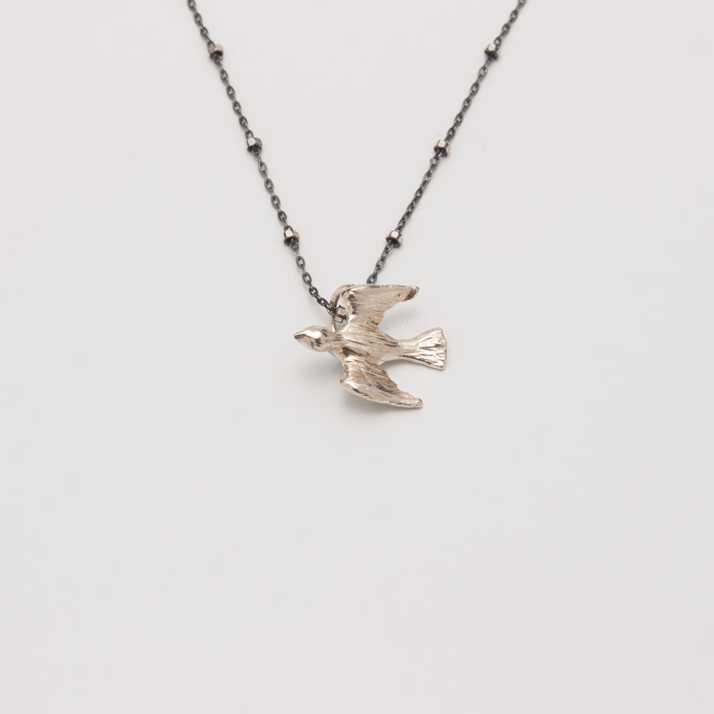BIRD IN FLIGHT // SILVER NECKLACE