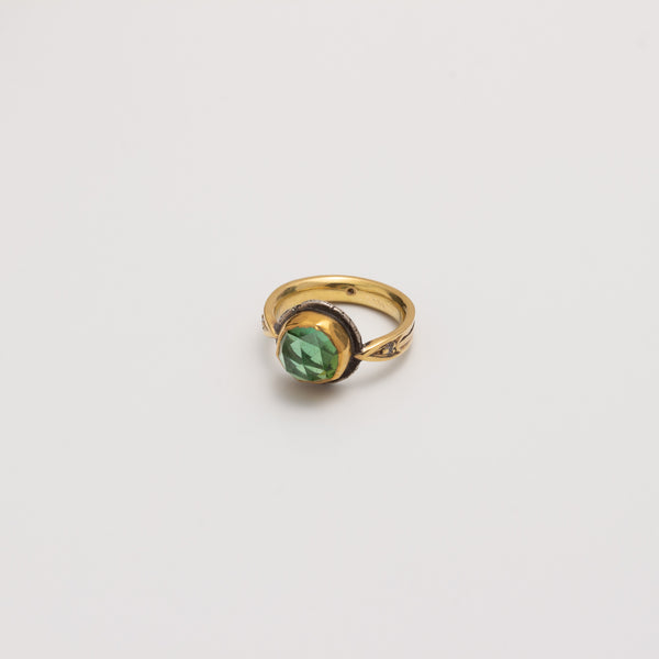 ARROW RING // 18K GOLD // GREEN TOURMALINE