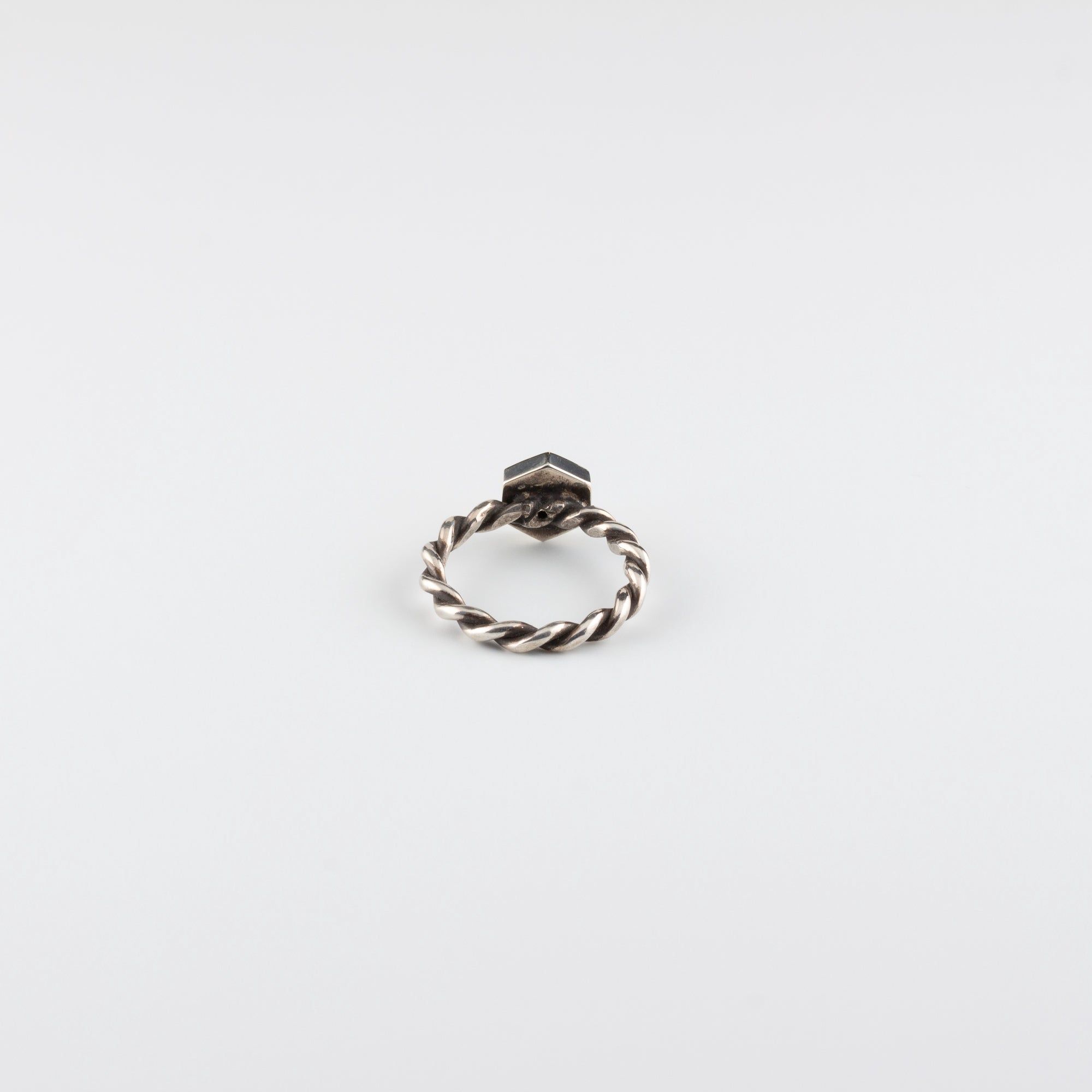 ENGRAVED STAR DIAMOND RING