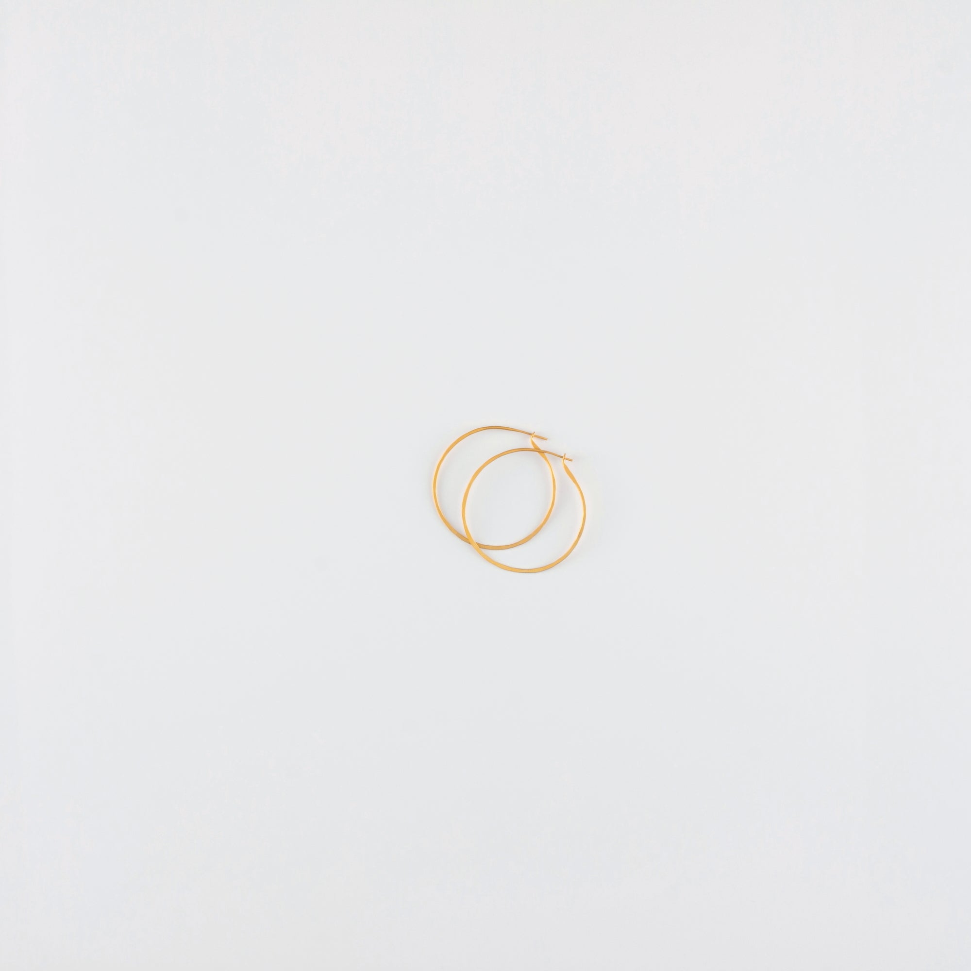 HOOPS // LARGE // ROUND // VERMEIL