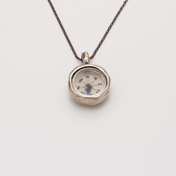 SIMPLE COMPASS NECKLACE