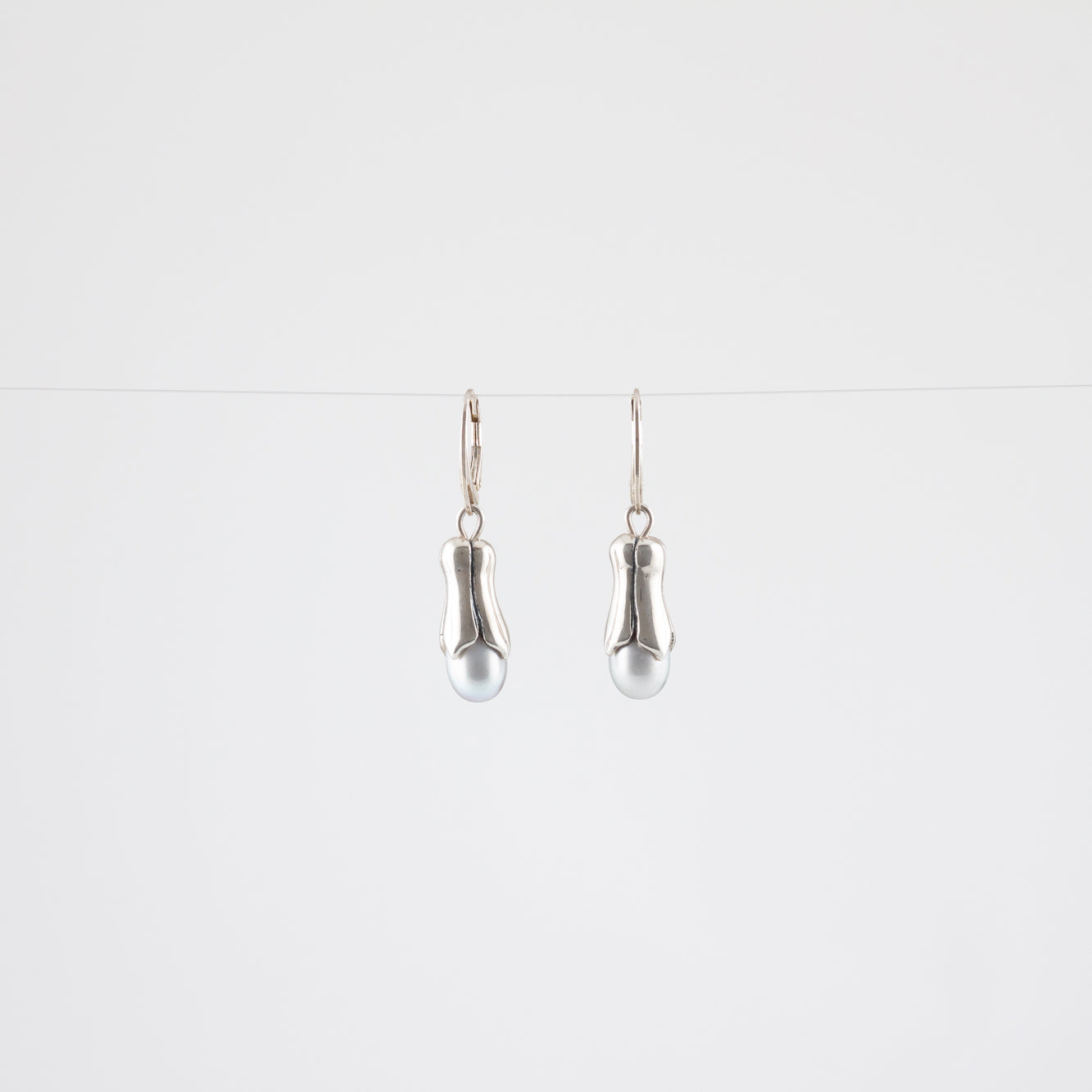 PEARLPOD EARRINGS // SILVER
