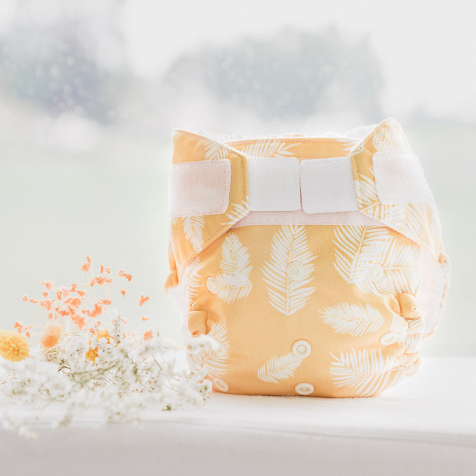NEW Baby BeeHinds Magicall all-in-two Cloth Nappy with Velcro - Golden Doze