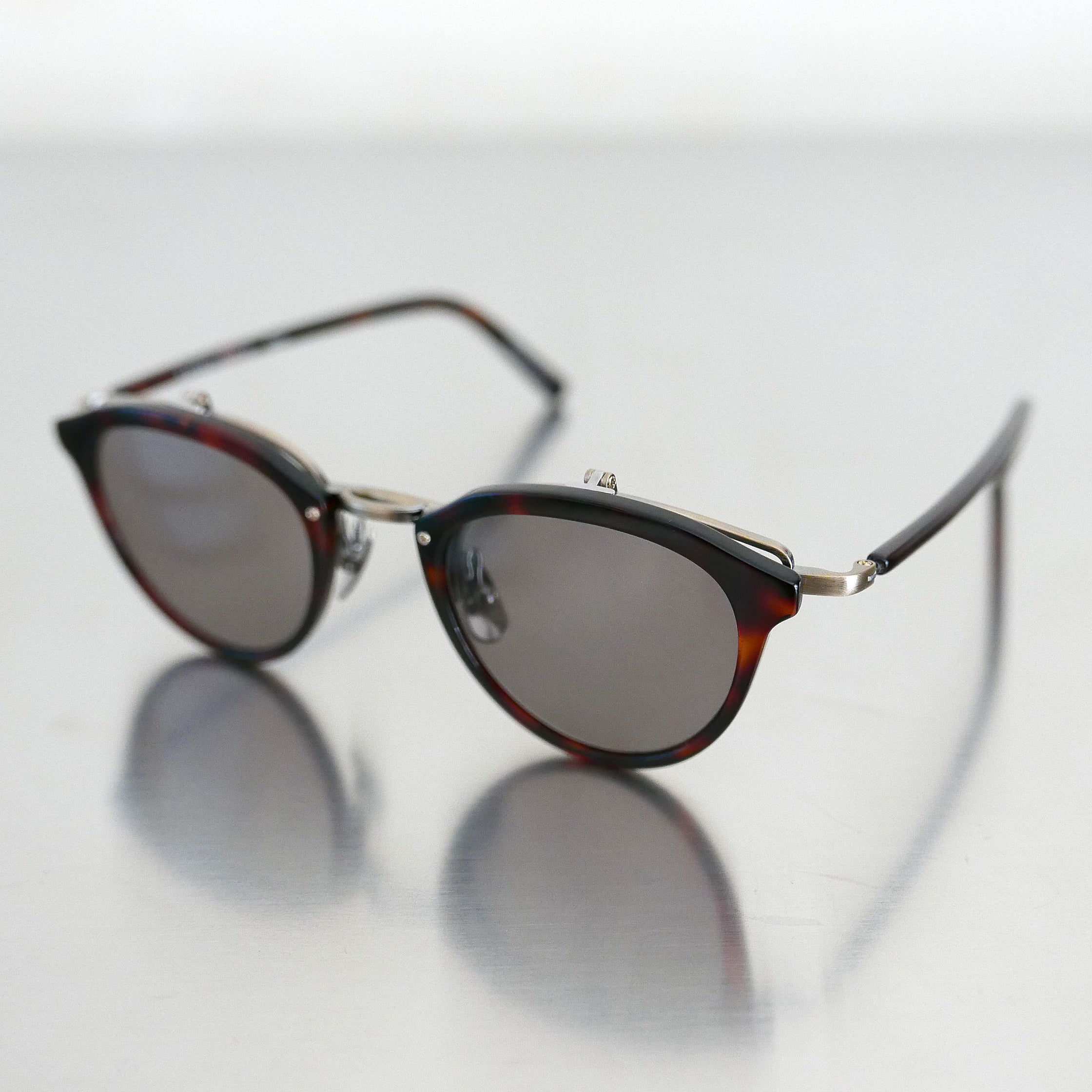 KJ-23 Sunglass in Red Demi
