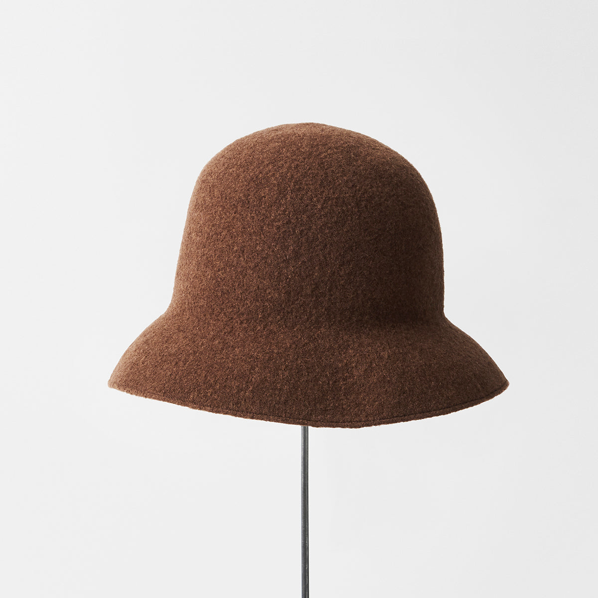 Widen Bell Hat Lamb in Choco