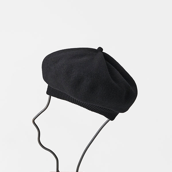 Beret Top Gather Rib Lamb in Black