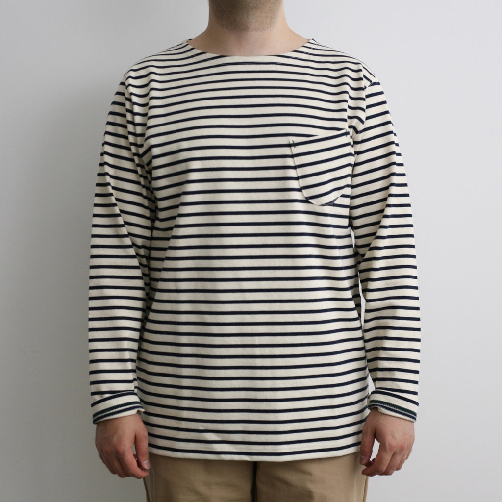 Basque Long Sleeve T-Shirt in Natural x Navy