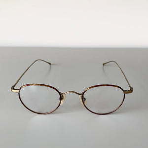 KV-47 in Brushed White Gold - Biodegradable Cellulose Acetate and Titanium