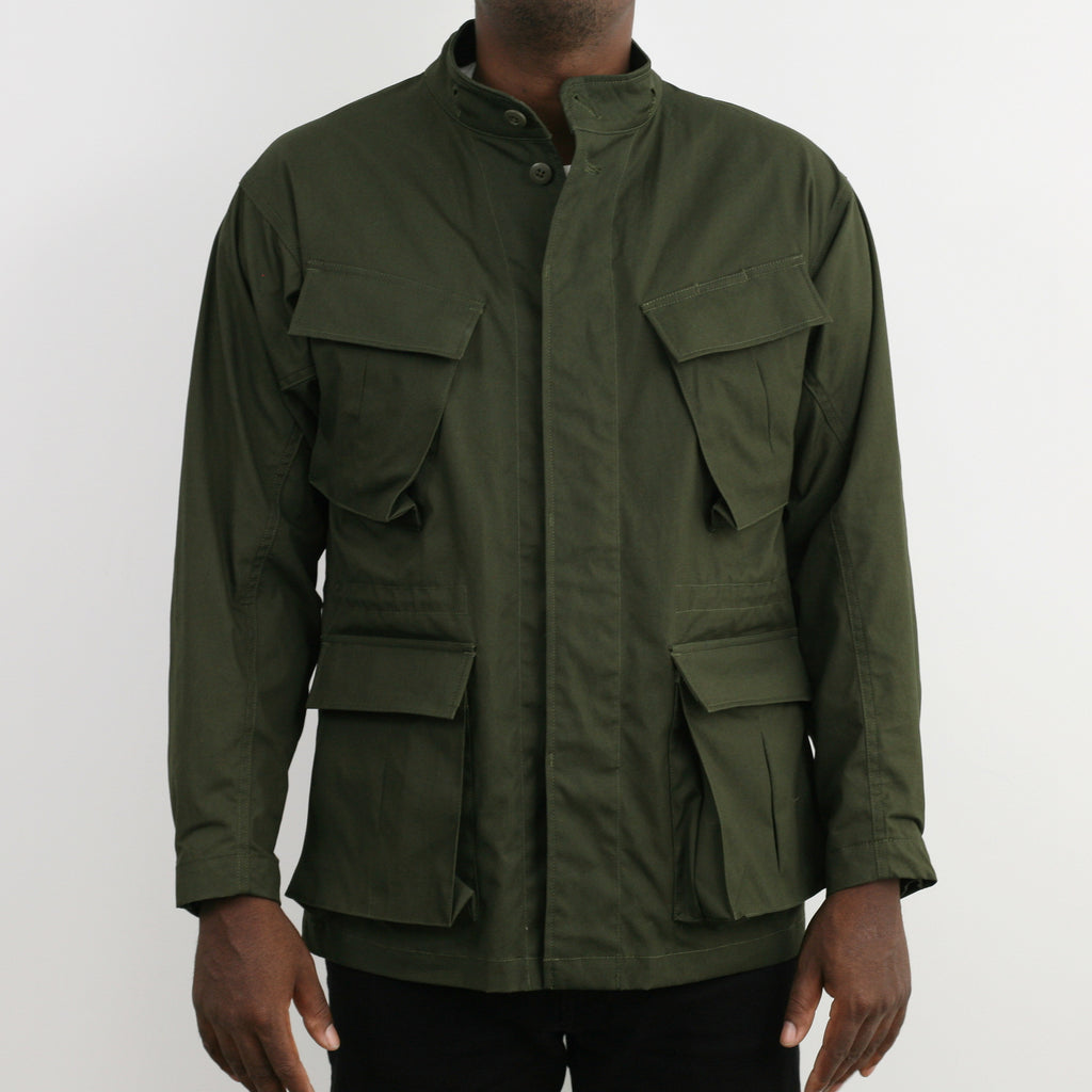 """Nowwood"" High Density Water-Repellant Cotton Poplin Parka in Army Green - With Detachable Hood"