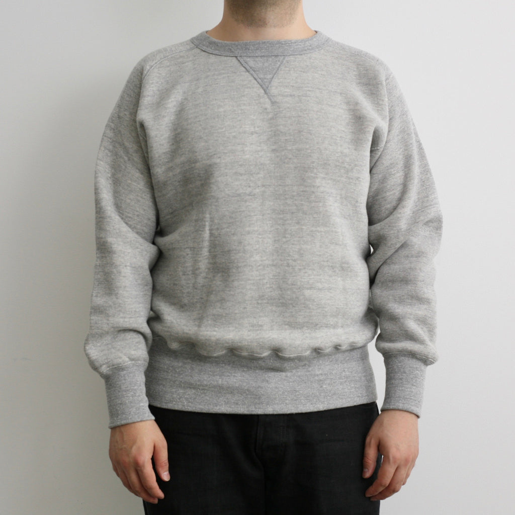 Tsuri-Ami Loopwheel Freedom-Sleeve Sweatshirt in Salt and Pepper Grey