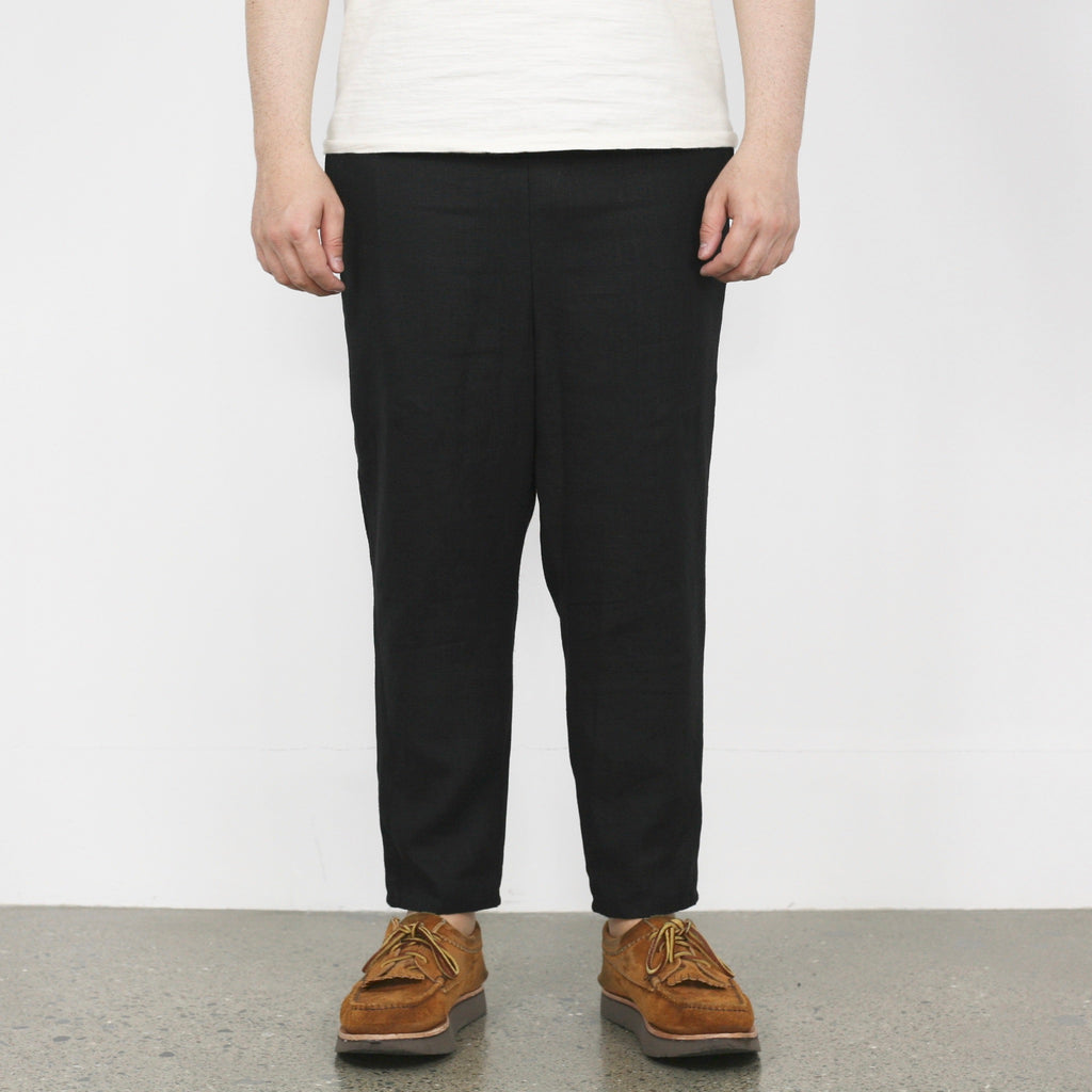 Linen Drop-Crotch Tapered Pants in Black